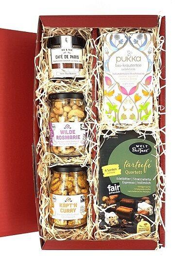 geschenkset schokolade tee nüsse bio fairtrade
